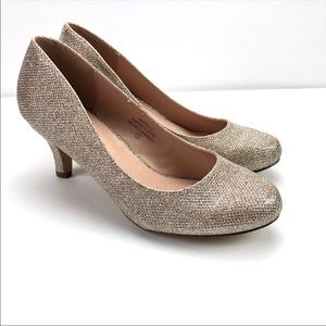 3/$50 De Blossom Collection Cleo Gold Heels
